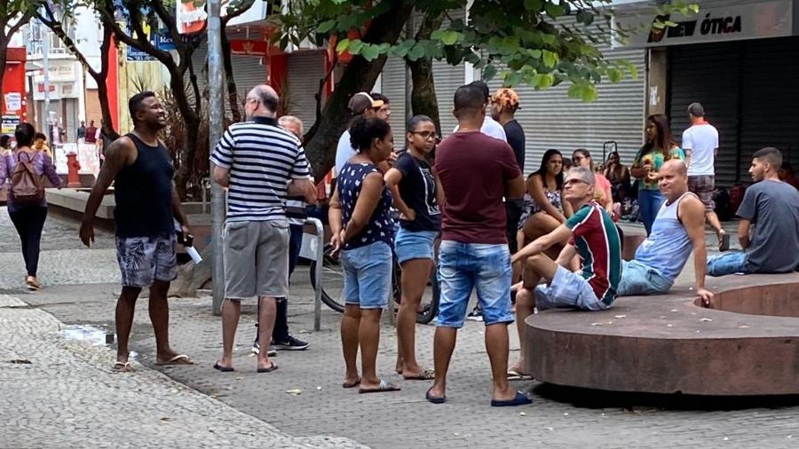 Aglomeração em Campo Grande, onde pessoas desrespeitavam recomendações da OMS - Caio Blois/UOL