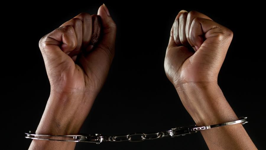 Família de presos estão sem notícias durante a pandemia - Juanmonino/iStock
