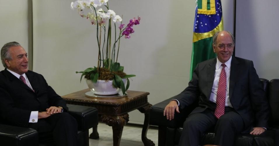19.mai.2016 - O Presidente interino Michel Temer, reúne-se com o presidente indicado da Petrobras, Pedro Parente, em seu gabinete no Palacio do Planalto