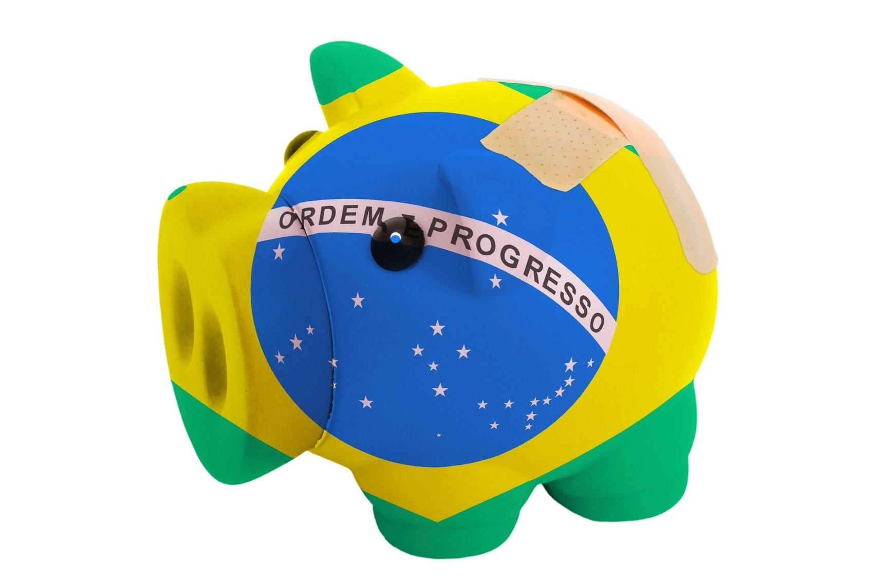 Risco Brasil dobra com eleição  país só está melhor que Turquia e Argentina  - 13 09 2018 - UOL Economia 81b2c6940f668