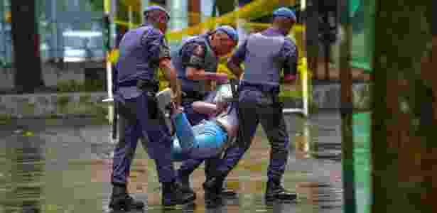 Estudantes são retirados de escola ocupada em São José dos Campos - Lucas Lacaz Ruiz/Estadão Conteúdo