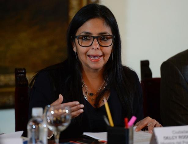 Em foto de arquivo, a chanceler venezuelana, Delcy Rodriguez, em reunião em Caracas