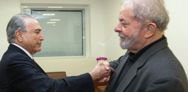 Resultado de imagem para LULA COM TEMER E RENAN NO VELÓRIO DE MARISA LETICIA