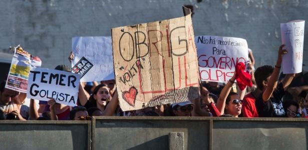 Resultado de imagem para protestos contra temer na transposição