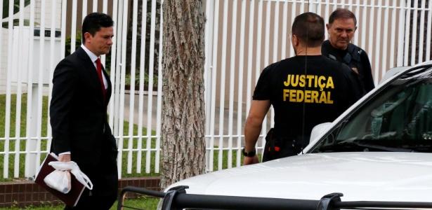 Os advogados de Lula argumentam que Moro tem sido parcial em suas decisões