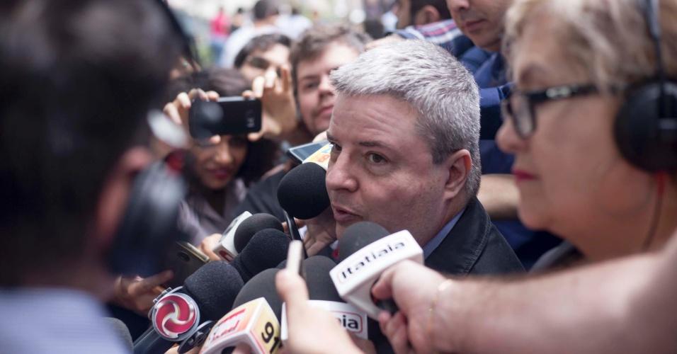 Antonio Anastasia, candidato ao Governo de Minas, vota em BH