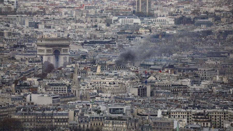213b9a214f1ca 125 mil saem às ruas e 1.300 são detidos em protestos na França - 08 ...