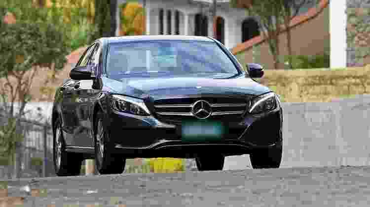 Mercedes-Benz C180 foi alugado em janeiro (imagem ilustrativa) - Murilo Góes/UOL