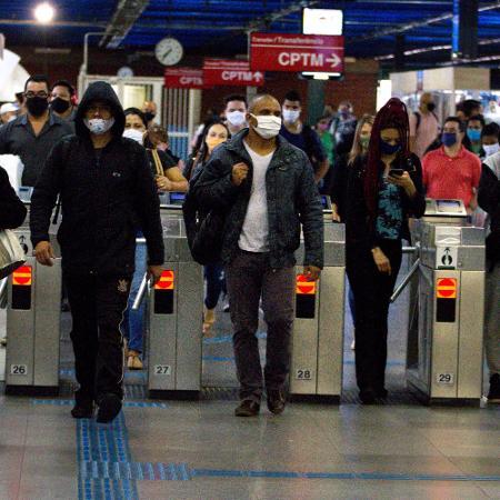 10.jun.2020 - Movimentação no metrô da cidade de São Paulo durante a pandemia  - Bruno Escolastico / Estadão Conteúdo