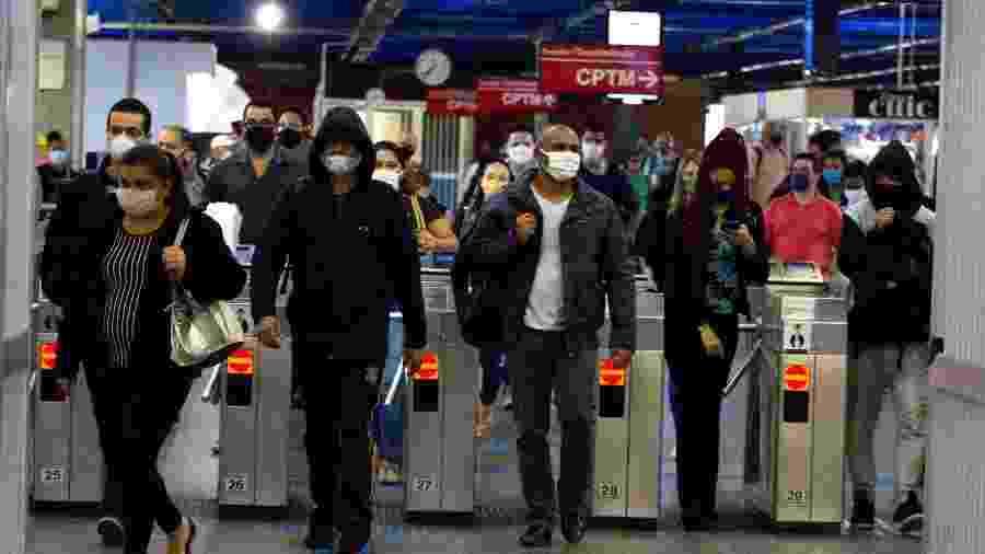 10.jun.2020 - Movimentação no metrô da cidade de São Paulo durante a pandemia do novo coronavírus - Bruno Escolastico / Estadão Conteúdo
