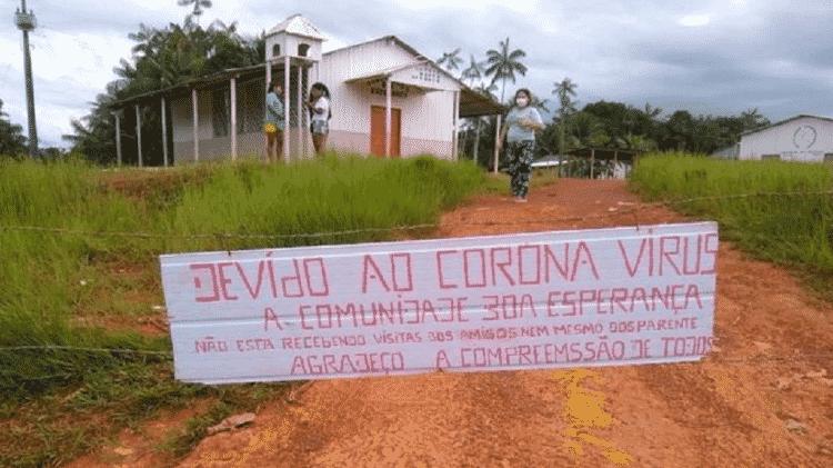 Placa instalada na comunidade Boa Esperança, na Terra Indígena Balaio - DSEI ALTO RIO NEGRO - DSEI ALTO RIO NEGRO