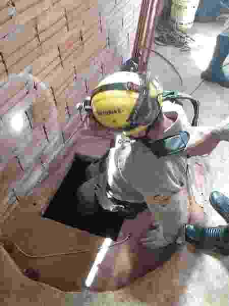 Bombeiros resgatam criança de 6 anos e o pai dela, de 46, de dentro de cisterna em cidade de Goiás - Divulgação/Corpo de Bombeiros