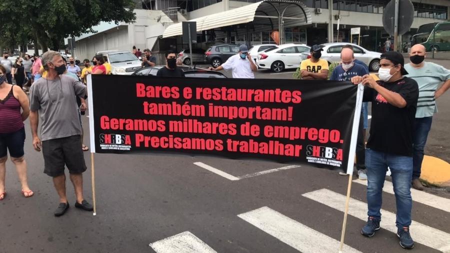 Comerciantes de Araçatuba (SP) protestam contra fechamento de bares - Reprodução/Facebook
