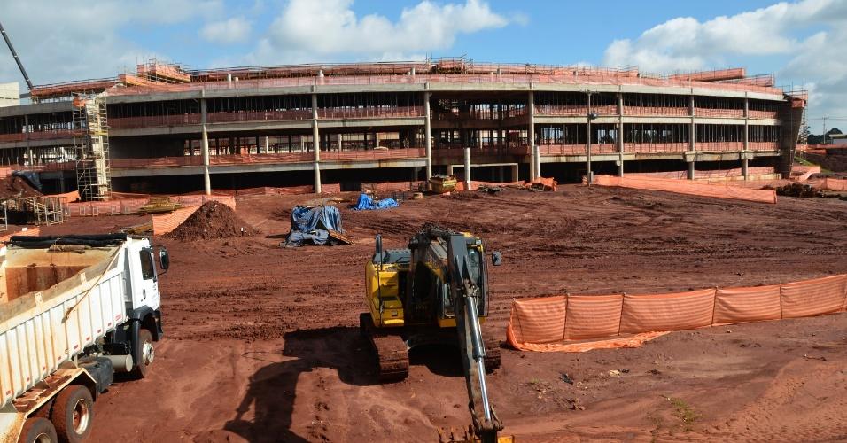 Os mais de 500 metros de circunferência do Sirius fazem sua estrutura em obras parecer a de um estádio de futebol --o UVX possui apenas 93 metros