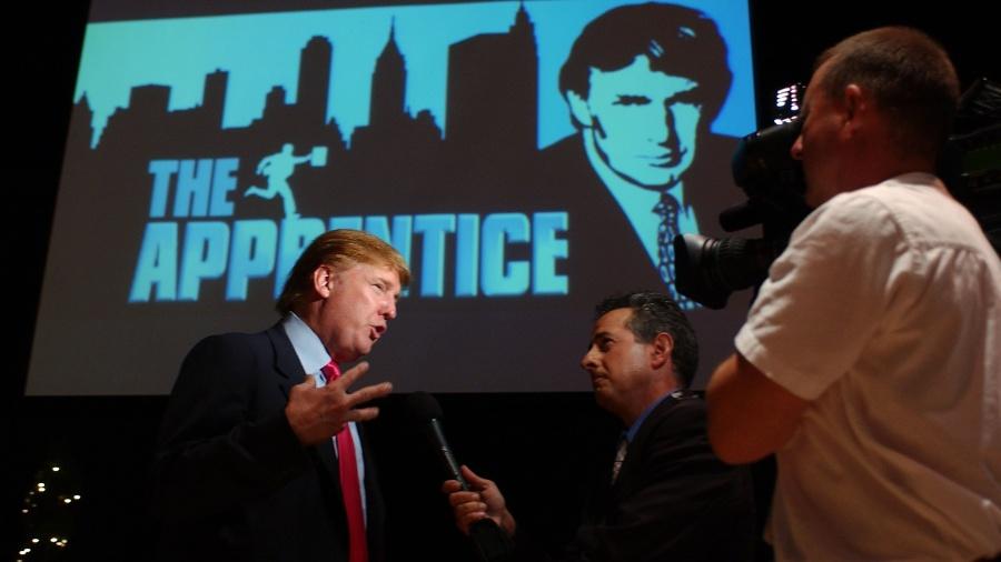 """4.jul.2004 - Cena do programa """"O Aprendiz"""", apresentado nos Estados Unidos por Donald Trump - Amanda Edwards/Getty Images/AFP"""