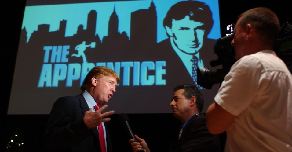 """4.jul.2004 - Cena do programa """"O Aprendiz"""", apresentado nos Estados Unidos por Donald Trump"""