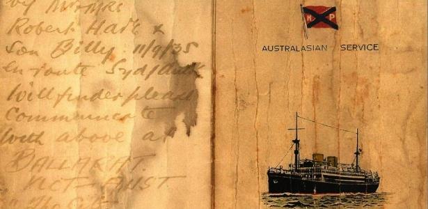 Bilhete escrito a mão em um cardápio oferecido durante viagem de navio