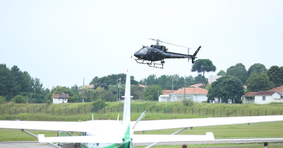 Helicóptero fez o transporte de Lula até o aeroporto do Bacacheri, em Curitiba (PR)