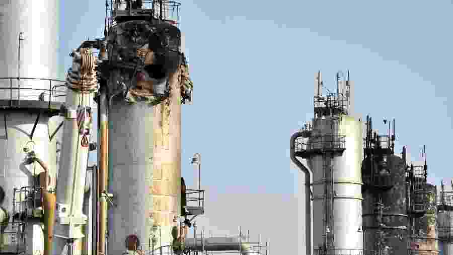 Instalação de petróleo na Arábia Saudita ficou destruída após ataque - Fayez Nureldine / AFP