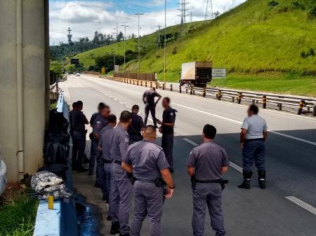 Coronavírus: Prefeitura suspende ônibus, e PMs da Grande SP pedem ...