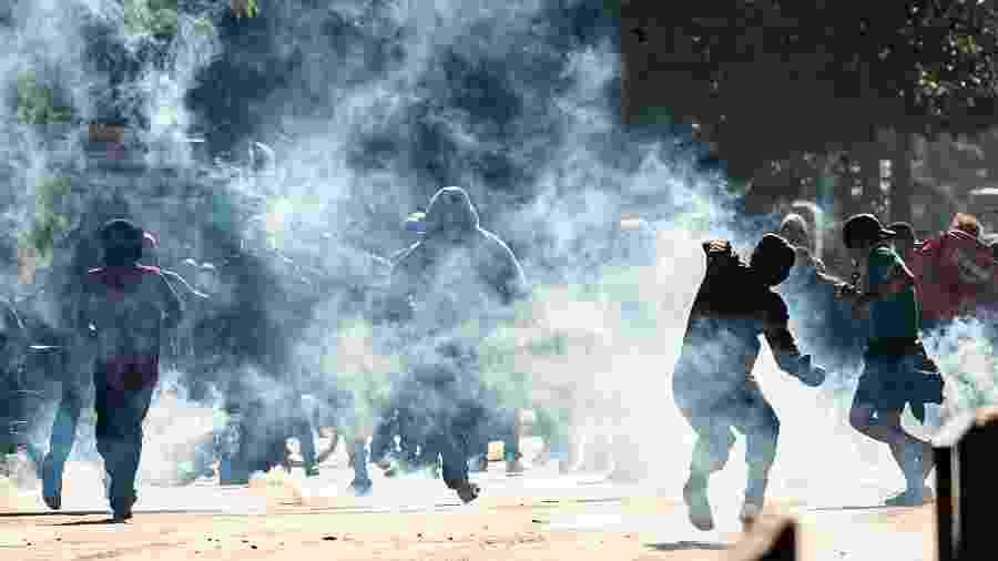 31.mai.2020 - Manifestantes durante atos contra e a favor ao governo Bolsonaro na avenida Paulista - Anderson Lira/Framephoto/Estadão Conteúdo