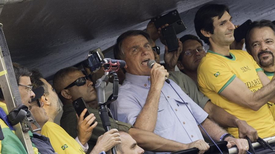 O presidente Jair Bolsonaro (sem partido) discursa em tom golpista na Avenida Paulista, em São Paulo - Bruno Rocha/Enquadrar/Estadão Conteúdo