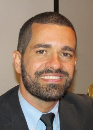 Cristian Santos vendia cocada para comprar livros e passe de ônibus - Arquivo pessoal
