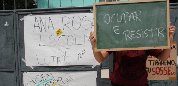Jovem em ocupação em escola estadual de São Paulo em 2015 - Bruna Souza Cruz/UOL