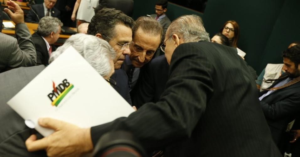 29.mar.2016 - Políticos de PMDB se reúnem no diretório nacional da legenda para decidir a saída do governo Dilma Rousseff