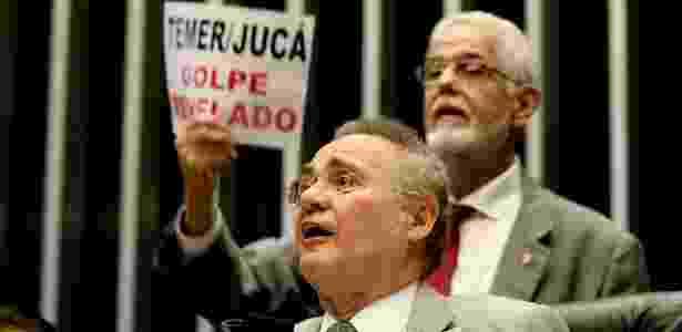 Votação de vetos e meta fiscal foi marcada por protestos no Congresso - Alan Marques/Folhapress