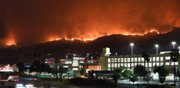 Incêndio que atingiu Los Angeles é considerado o maior da história da cidade