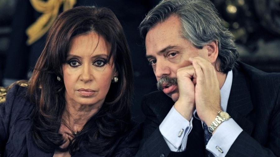 Alberto Fernández (dir) ao lado de Cristina Kirchner - DANIEL GARCIA/AFP/GETTY