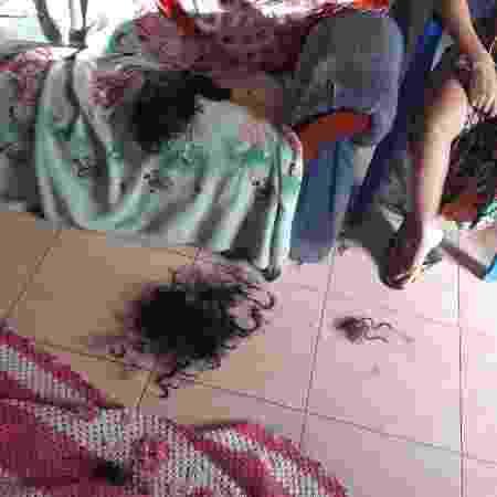 Mechas jogadas no chão; mulher acusa o ex de tê-la agredido e cortado seu cabelo - Divulgação/PM-PA