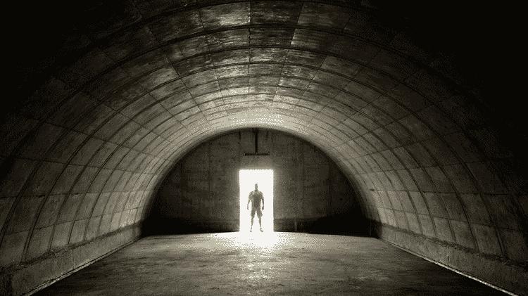 Um bunker básico no Vivos xPoint, de concreto, sai por US$ 35 mil (cerca de R$ 187 mil). Os proprietários podem então equipar os abrigos e incluir as modificações que quiserem - © COPYRIGHT TERRAVIVOS.COM - © COPYRIGHT TERRAVIVOS.COM