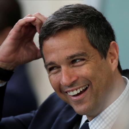 Presidente do Banco Central, Roberto Campos Neto exibiu dados que seguem apontando melhora, no início de julho, nas vendas do varejo - Ueslei Marcelino/Reuters
