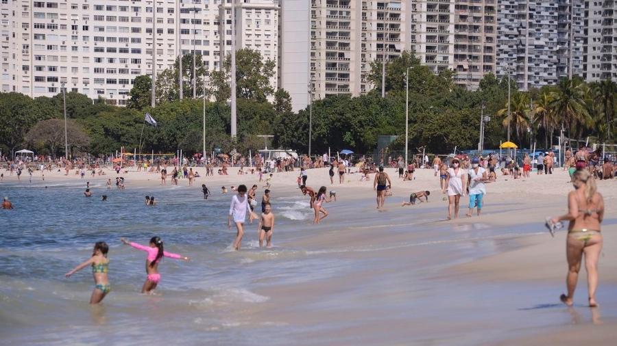 Praias do Rio estiveram cheias neste domingo e foram registradas aglomerações - Tomaz Silva/Agência Brasil