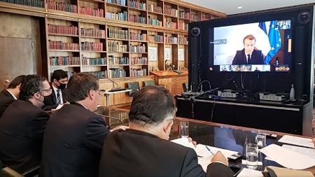 Bolsonaro convida Temer, filho de libaneses, para liderar ajuda a ...