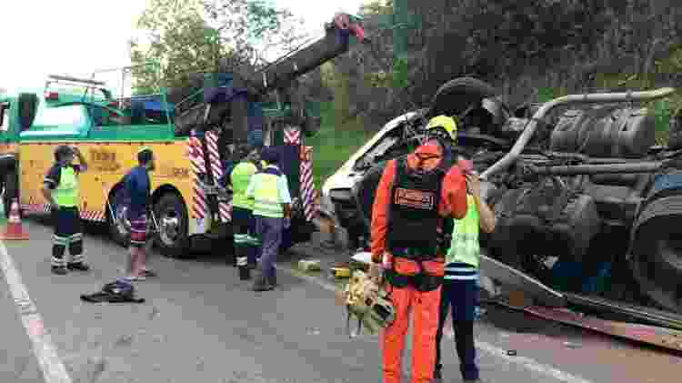 Acidente no Km 525 da BR-381, em Brumadinho (MG), deixou feridos; uma socorrista morreu - Divulgação/CBMMG - Divulgação/CBMMG
