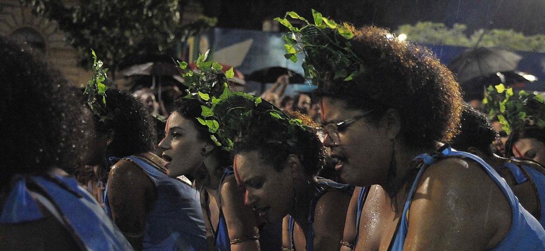Há 12 anos, o bloco Ilú Obá de Min desfila no centro de São Paulo com bateria formada apenas por mulheres - Reinaldo Canato/UOL