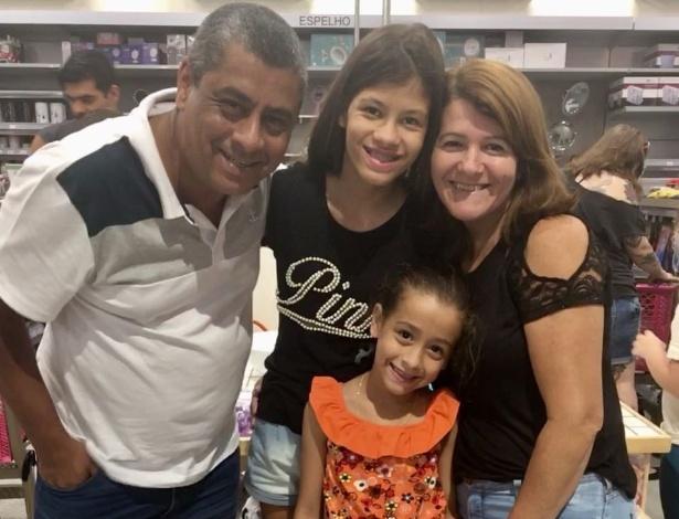 3.fev.2018 - Ezequias Souza Fonseca visita a Zôdio com a família