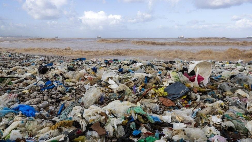 A 'guerra' para salvar os oceanos do plástico começou - 21/12/2018 - UOL Notícias