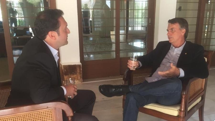 O presidente eleito, Jair Bolsonaro, concedeu entrevista ao Jornal da Record exibida nesta segunda-feira (31) - Reprodução/ Twitter
