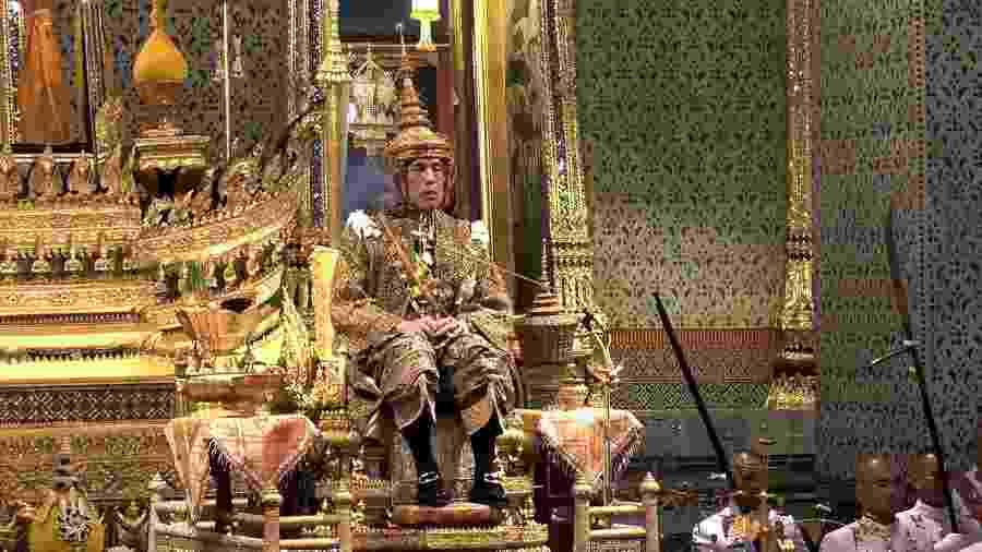 Novo rei da Tailândia é coroado três anos após a morte de seu pai e antecessor - Thai TV Pool/AFP