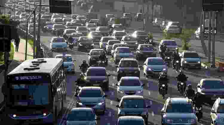 Trânsito intenso na Radial Leste, na altura do metrô Tatuapé, na zona leste da capital paulista, no dia da greve geral convocada em todo o País contra a proposta de reforma da Previdência - Fábio Vieira/Foto Rua/Estadão Conteúdo - Fábio Vieira/Foto Rua/Estadão Conteúdo
