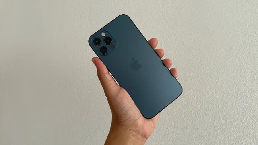 Os celulares da linha iPhone 12 estão na lista de cuidados - Bruna Souza Cruz/Tilt