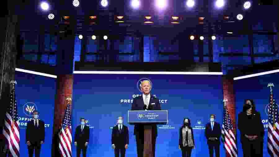 O presidente eleito dos Estados Unidos Joe Biden fala durante um evento de anúncio do gabinete em Wilmington - Chandan Khanna/AFP