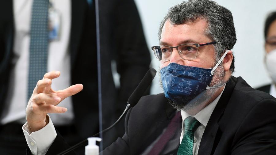 17.mai.2021 - O ex-chanceler Ernesto Araújo presta depoimento na CPI da Covid - Jefferson Rudy/Agência Senado