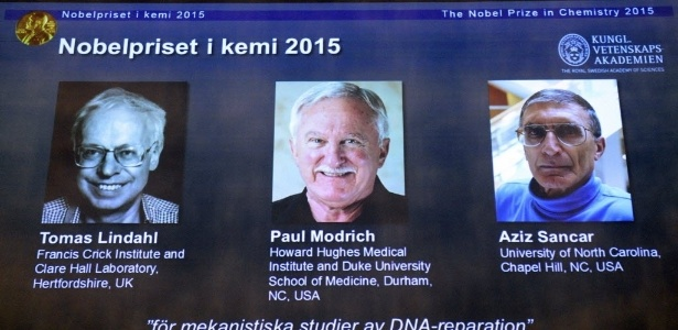 O sueco Tomas Lindahl, o americano Paul Modrich e o turco Aziz Sancar ganharam o prêmio Nobel de Química de 2015 - Jonathan Nackstrand/AFP