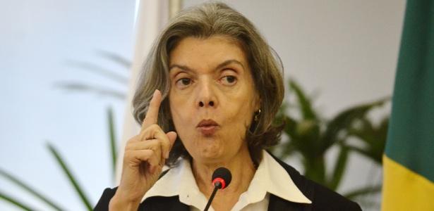 """Ministra Carmen Lúcia pediu um """"esforço concentrado"""" aos Tribunais de Justiça estaduais"""