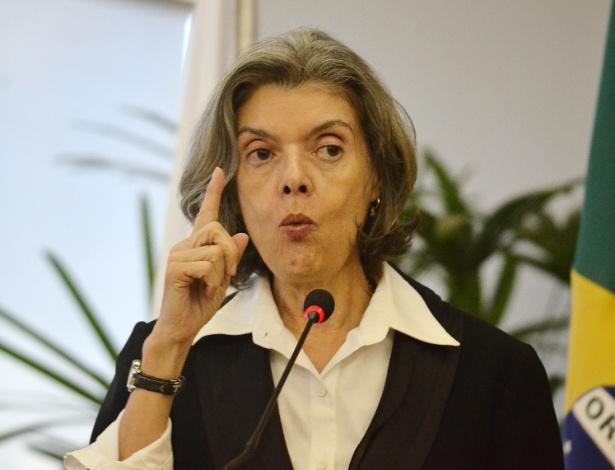 Ministra Cármen Lúcia cassou liminar concedida por Ricardo Lewandowski